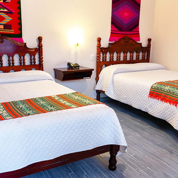 hoteles-ecuador-otavalo-hotel-el-indio-inn-habitacion-doble